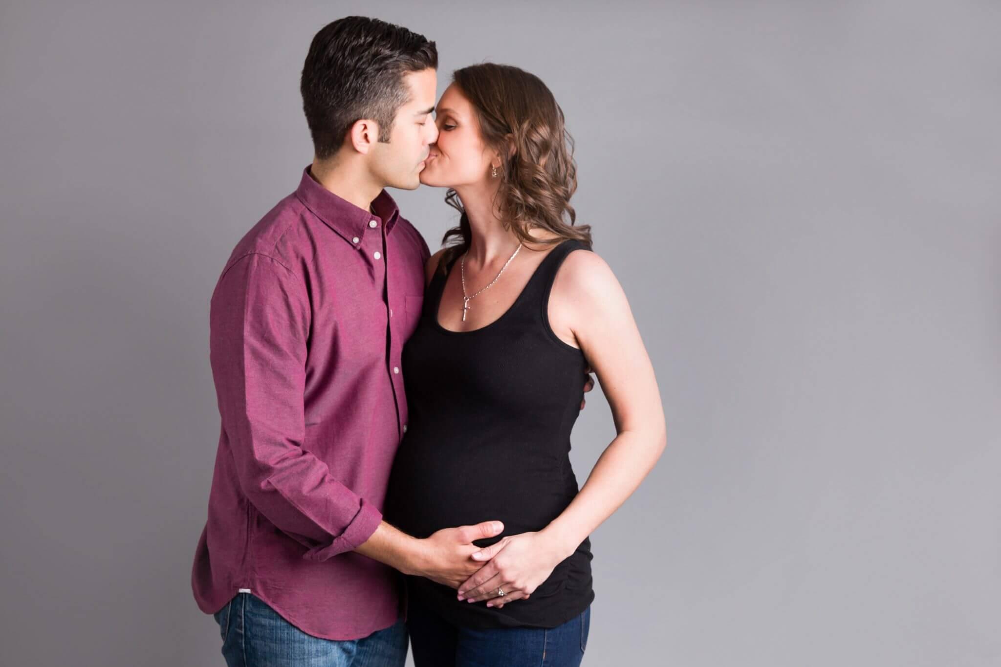 Pittsburgh Maternity Photographer | Maternity Studio Session | V Family
