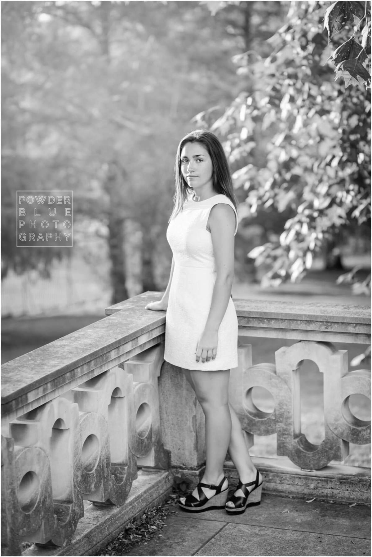 pittsburgh senior photography session at mellon park in pittsburgh black and white