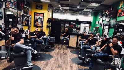 Equipo Mister Barber Shops Century Zona 13
