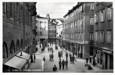 piazza Cavana, Trieste