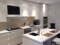 modern-kitchen-plumbing