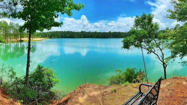 Cheapest places to live- Picture of lake