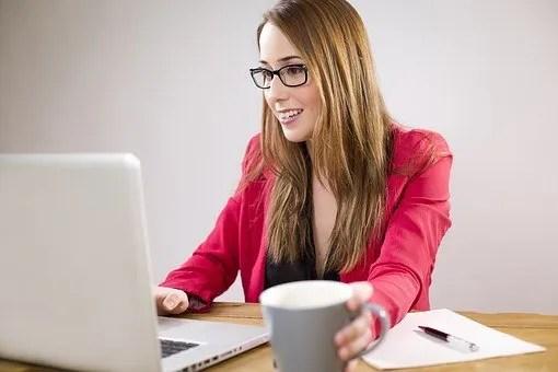 retire early- girl on desk