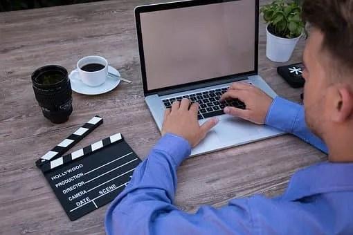 A blog-man on computer
