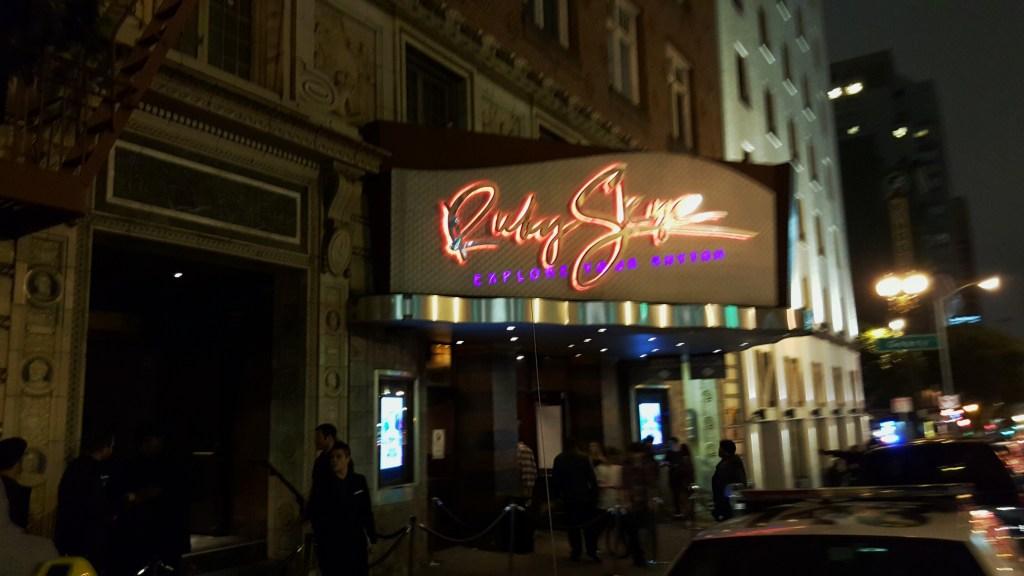 Der Ruby Skye Club in San Francisco ist ein erstklassiger Nachtclub. Hier möchte ich auch Matt Whitlock danken, dem Marketing Director des Clubs, der uns am kompletten Wochenende auf die Gästeliste gesetzt hatte. Ganz besonders samstags als Martin Solveig zu Gast war. Hammer!! Vielen Dank, Matt!!