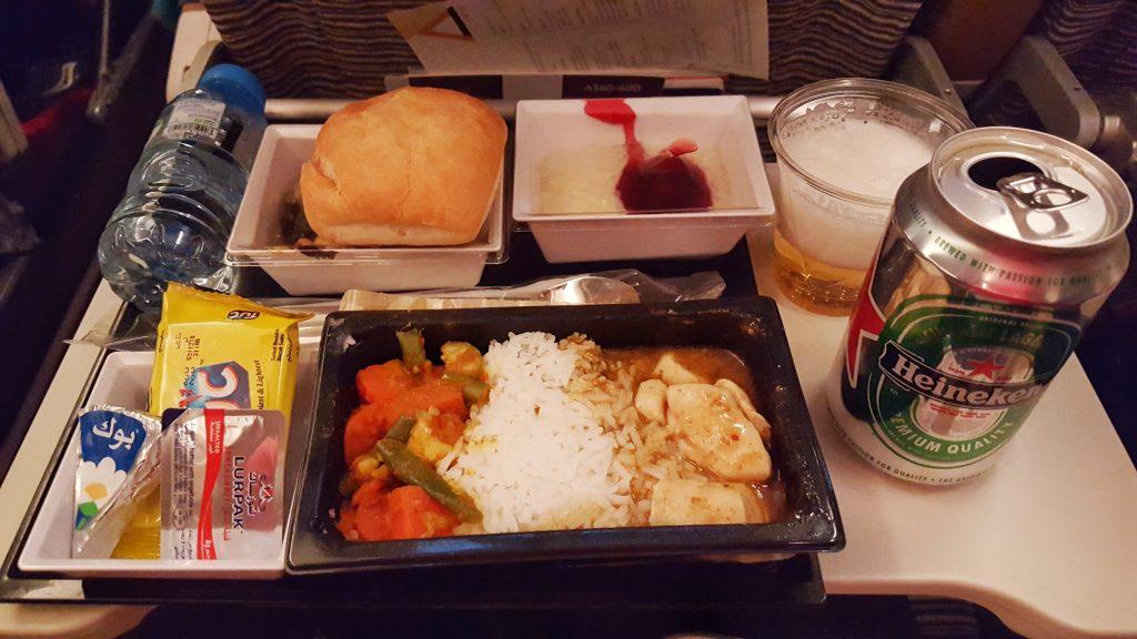 dlich gibt es das erste Essen: Hühnchen mit Reis und Gemüse & leckeren Milchreis…*yamyam