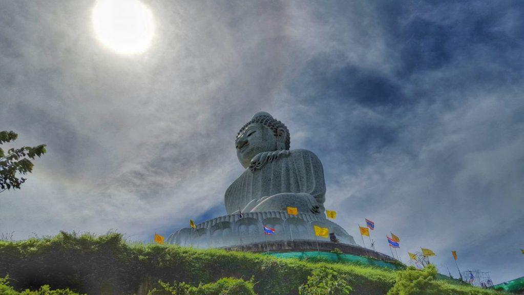 Der Big Buddha auch mal mystisch in seiner Ausstrahlung.