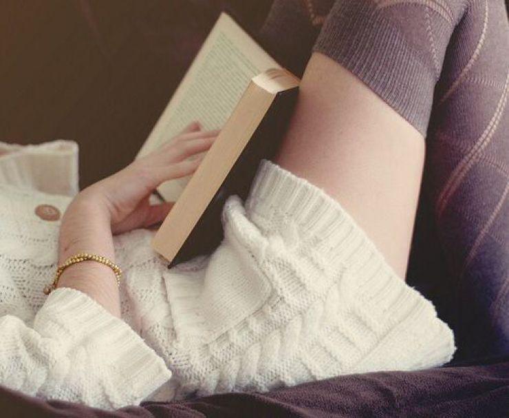 girl-reading