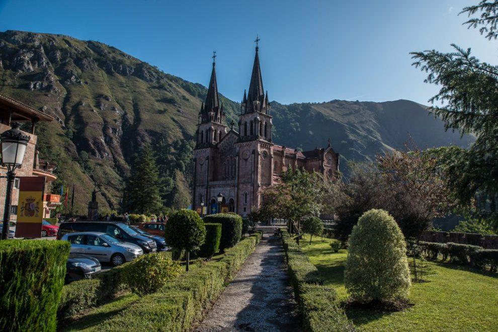 Westansicht Basilika - Covadonga