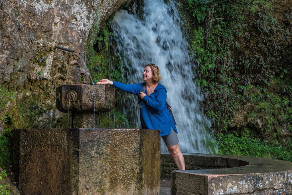 Am Brunnen mit den sieben Wasserspeiern - Covadonga