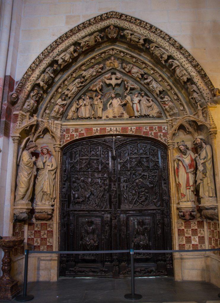 Puerta del Claustro - Catedral de Santa Maria Burgos