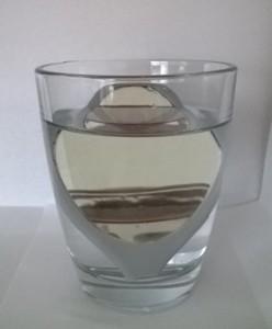 Hier siehst du das Glas von vorne.