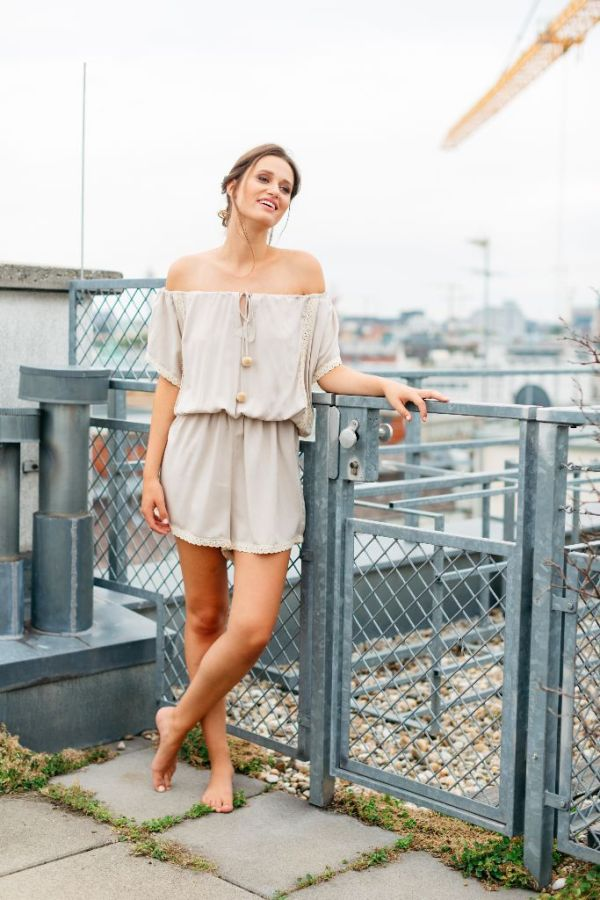 mit Handkuss_Playsuit_Jumpsuit_Off Shoulder Sand Shell
