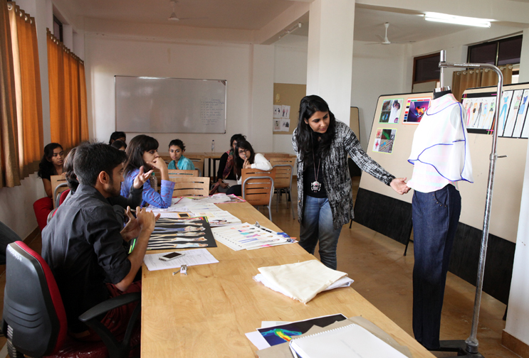 Fashion Designing Colleges In Pune With Fees