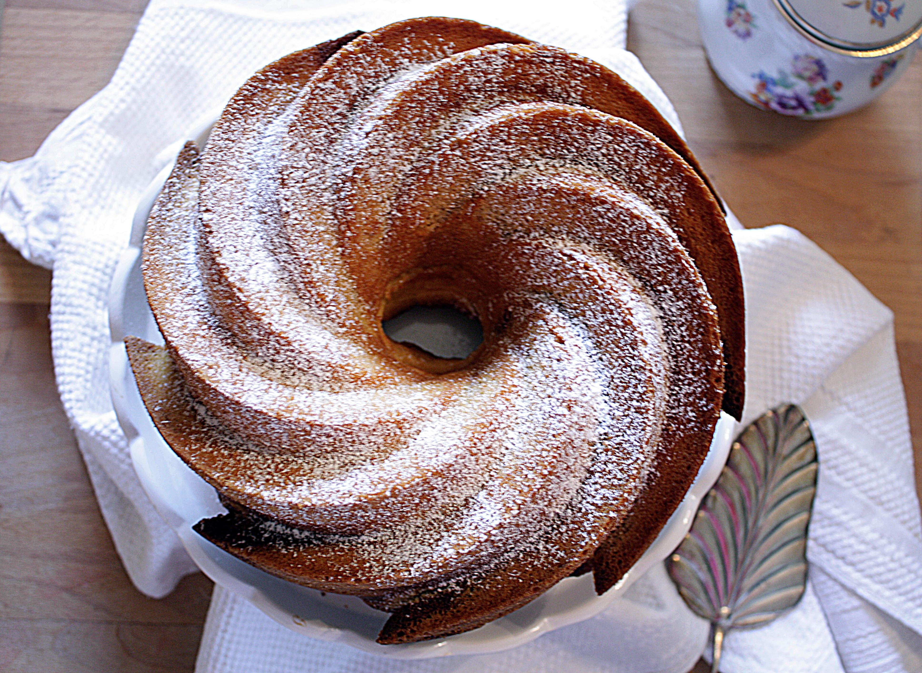Marmorkuchen mit Schokoladen- und Eierlikör