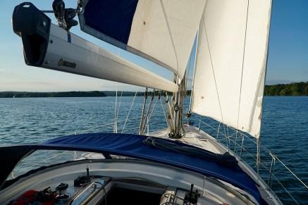 Segelausflüge mit Skipper von Mai bis September im Bundesland Brandenburg bei Berlin
