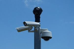 Das Bundesarbeitsgericht hat die Rechte von Arbeitnehmern deutlich gestärkt: Mitarbeiter-Überwachung ist nur in engen Grenzen möglich