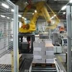 Neue Steuerungssysteme machen Industrieroboter für den Mittelstand interessant