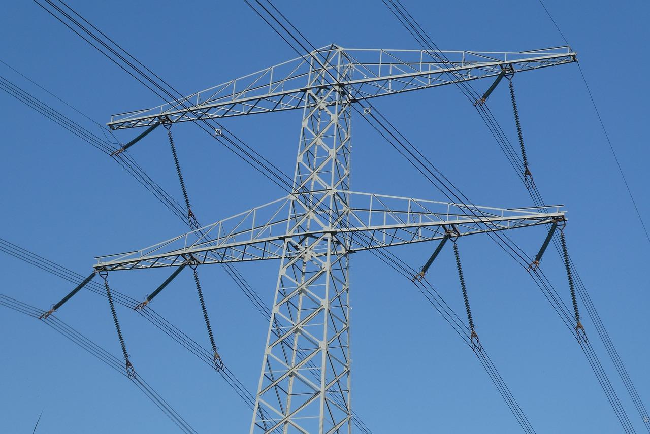 Stromtrassen Mast Foto