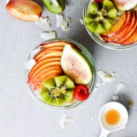 Nectarine coconut overnight oats