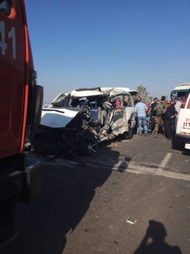 98d7e2c4-5ebb-4c52-a455-04cd6f131690-375x500 5 הרוגים ו-6 פצועים בתאונת דרכים בשומרון בין רכב מסחרי למשאית