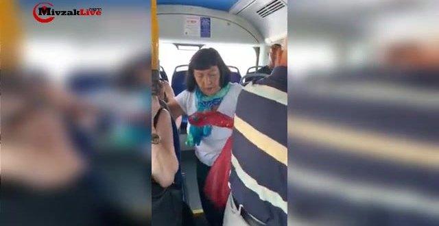 """ללא מעצורים: אישה תועדה מקללת נוסעים באוטובוס, """"תישרפו חיים"""""""
