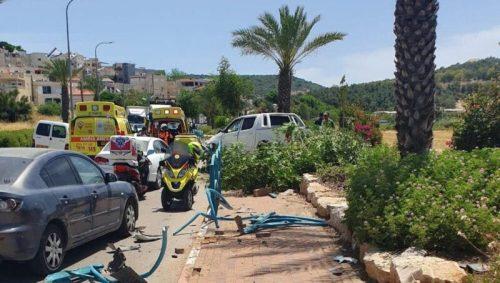 WhatsApp-Image-2021-05-06-at-13.08.55-500x283 גבר בן 44 נפצע בינוני לאחר שרכבו התנגש בגדר בטיחות באיבטין