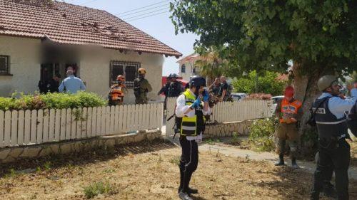 WhatsApp-Image-2021-05-11-at-15.43.18-500x281 שתי נשים נהרגו מפגיעת רקטה בבית באשקלון