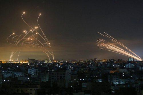 WhatsApp-Image-2021-05-14-at-02.58.18-500x333 תמונה: קרב לילי בשמי ישראל - רקטות חמאס מול טילי היירוט