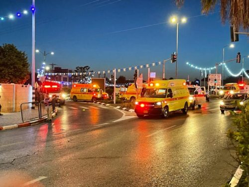WhatsApp-Image-2021-05-16-at-21.42.32-1-500x375 גבר בן 40 וילד בן 12 נהרגו בקריסת הטריבונה בבית הכנסת בגבעת זאב