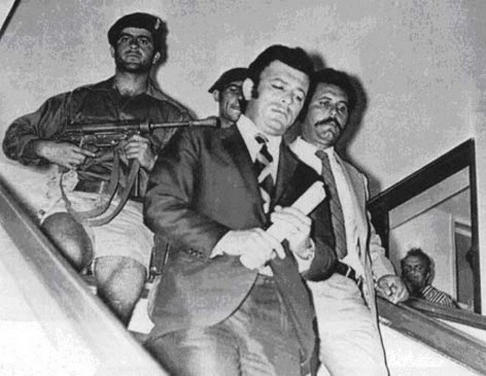 Αποτέλεσμα εικόνας για Ο Νίκος Σαμψών ορκίζεται Πρόεδρος της Δημοκρατίας