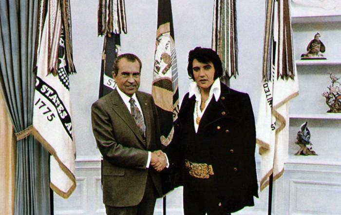 """Ο Έλβις Πρίσλεϊ παρακαλούσε να γίνει πράκτορας για να πολεμήσει τον κομμουνισμό, τα ναρκωτικά και τους χίπηδες. Η επιστολή του """"βασιλιά"""" στον πρόεδρο Ρίτσαρντ Νίξον"""