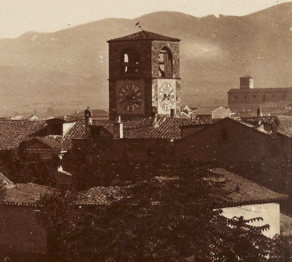 Που βρισκόταν ο Πύργος με το ρολόι του Έλγιν που δώρισε στην Αθήνα για να κατευνάσει τις αντιδράσεις μετά τις κλοπές στην Ακρόπολη. Υπήρξε για χρόνια ορμητήριο για φτωχόπαιδα και μάγκες. Τι απέγινε