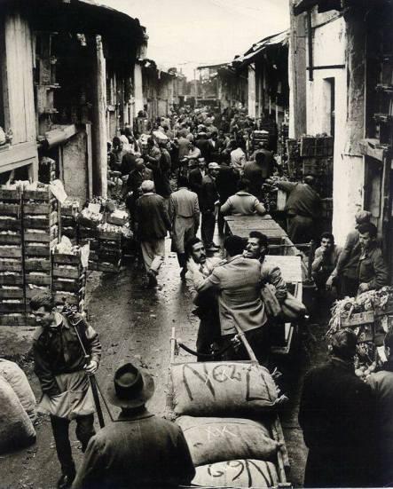Όταν η λαχαναγορά ήταν στο Γκάζι. Φωτογραφικό Αρχείο Θανάση Τσαγκρή
