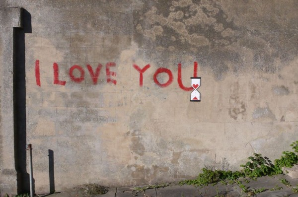 banksy-love-one eyeland