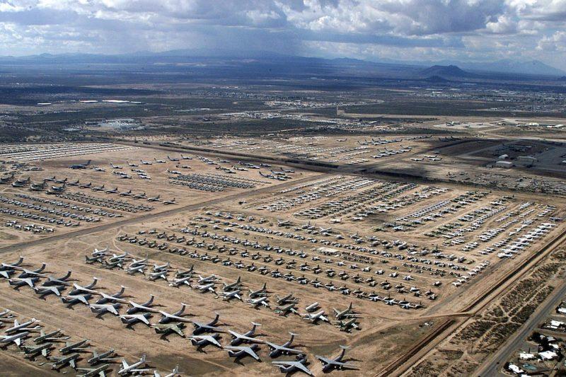Το μεγαλύτερο νεκροταφείο μαχητικών αεροπλάνων στον κόσμο. Πάνω από 4.000 αεροσκάφη «αναπαύονται» εν ειρήνη πλέον. Από τα τρομακτικά Β52 μέχρι τα F14 που είδαμε στο «Top Gun»