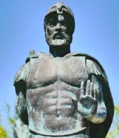 Μιλτιάδης. Η άνοδος και η πτώση του στην αθηναϊκή πολιτική του δίνει τον χαρακτηρισμό του διάττοντα αστέρα. Ο οποίος ωστόσο έλαμψε εκτυφλωτικά στον Μαραθώνα.