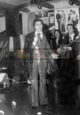 Ο Βοσκόπουλος ήταν ένας από τους άντρες που φόρεσαν γούνα