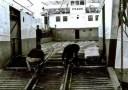Πάτρα – Αγρίνιο με τρένο και φέρι μποτ! Η ξεχασμένη σιδηροδρομική σύνδεση γινόταν με παλιά αποβατικά πλοία που είχαν ράγες και μετέφεραν τα βαγόνια (φωτο)