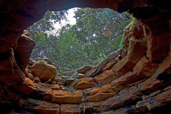 Πολλά δρακόσπιτα βρίσκονται στην περιοχή των Στύρων και είναι γνωστά ως «Πάλλη λάκκα δραγκό»