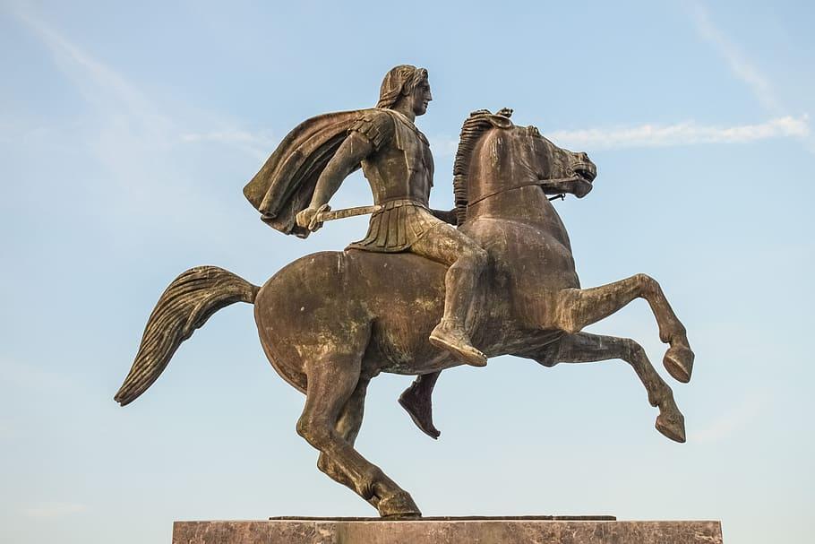 """""""Η Μακεδονία είναι μικρή για σένα». Τα λόγια του Φιλίππου όταν ο οκτάχρονος Αλέξανδρος δάμασε τον ατίθασο Βουκεφάλα. Το στοίχημα που έβαλε ο Αλέξανδρος με τον πατέρα του"""