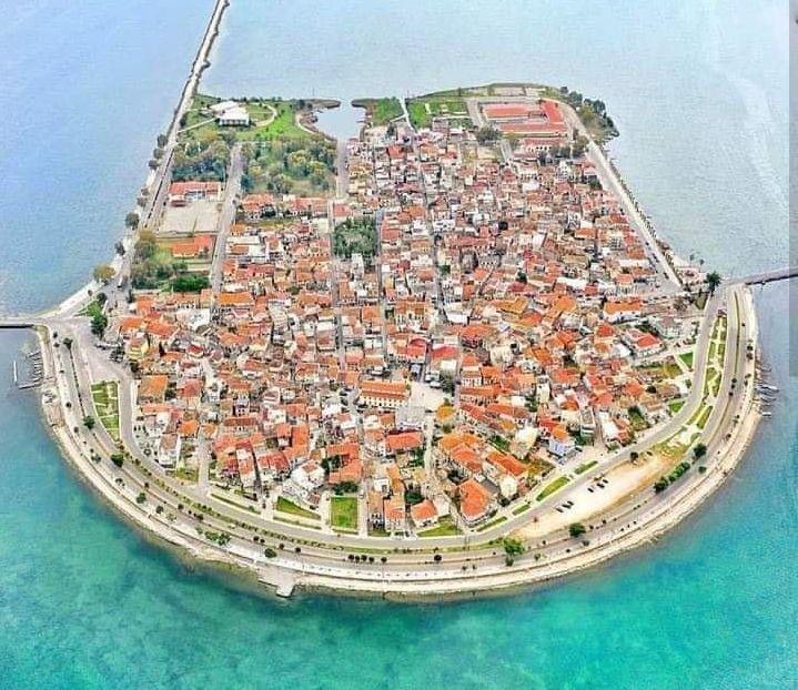 """Η """"Μικρή Βενετία"""" της Ελλάδας. Ο υπέροχος τόπος, όπου οι αντίπαλοι του Καραΐσκάκη τον καταδίκασαν για προδοσία! Πως δημιουργήθηκε (drone)"""