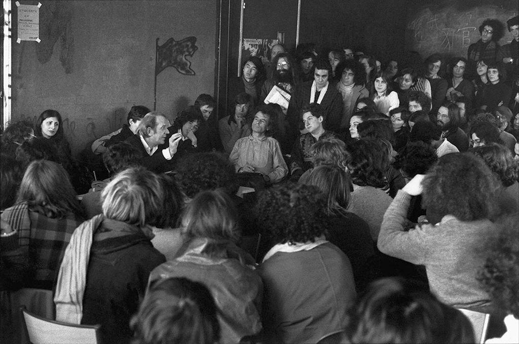 Το ανατρεπτικό πανεπιστήμιο στη Γαλλία που δεχόταν φοιτητές χωρίς απολυτήριο λυκείου και είχε εναλλακτικά μαθήματα, που προκάλεσαν σάλο. Είχε διδάξει ο Πουλαντζάς και ο Φουκώ