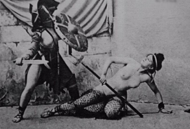 Οι γυναίκες μονομάχοι στην αρχαιότητα ήταν κυρίως κόρες πλουσίων και πάλευαν για τη φήμη! Η φιέστα του Νέρωνα όπου αναμετρήθηκαν εναντίον νάνων