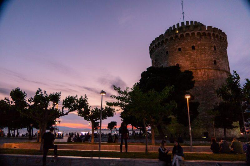 Λέων Τριπολίτης, ο χριστιανός πειρατής που έγινε μουσουλμάνος. Κατέλαβε τη Θεσσαλονίκη, δολοφόνησε και σκλάβωσε τους κατοίκους της. Την ερήμωσε για πολλά χρόνια