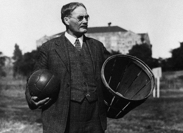 Πώς επινοήθηκε το μπάσκετ ως ένα άθλημα για κλειστό χώρο που θα προστάτευε τους αθλητές από το κρύο. Τα πρώτα καλάθια ήταν κοφίνια για ροδάκινα