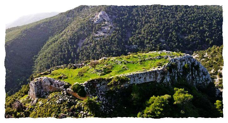 το φρούριο της Φυλής από Ψηλά