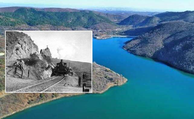 """Ο άγνωστος φυσικός πλούτος της τεχνητής λίμνης Μεταλλείου. Εκεί περνούσε το τρενάκι """"Ντεκoβίλ"""" που μετέφερε εφόδια και τραυματίες στη μάχη του Σκρα"""