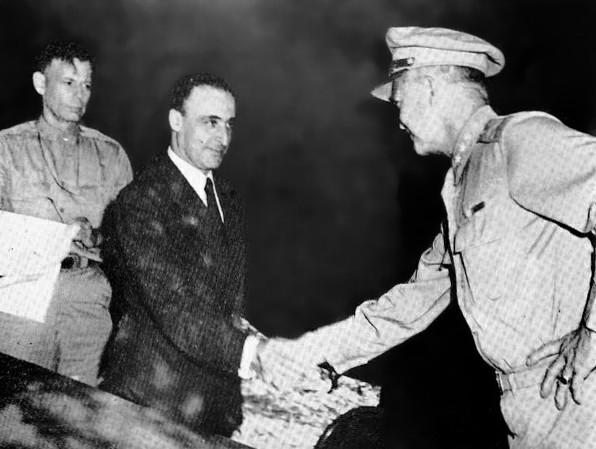 """Η εκτέλεση 9500 Ιταλών από τους Γερμανούς στην Ελλάδα μετά τη συνθηκολόγηση και η εκτέλεση των ελλήνων που """"απαλλοτρίωναν"""" το πολεμικό υλικό των Ιταλών"""