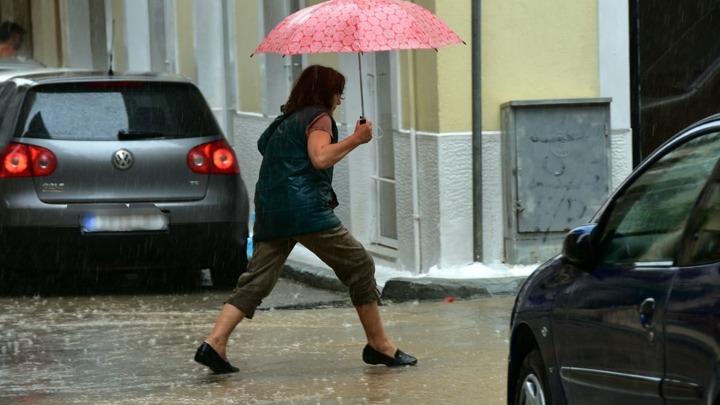 Βροχές και σποραδικές καταιγίδες στα βορειοανατολικά. Μικρή πτώση στη θερμοκρασία σήμερα